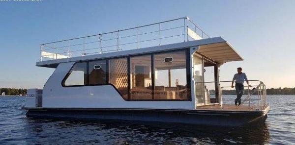 Modernes Hausboot