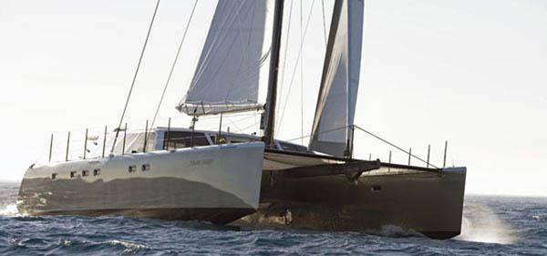 Gunboat 66 ein schneller Fahrtenkatamaran, der auch mal den Luvrumpf hebt