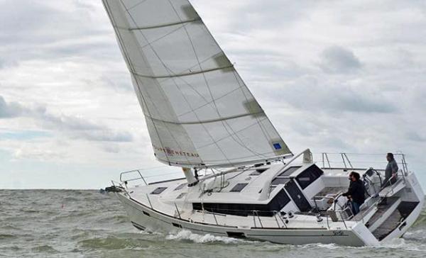 Die Beneteau überzeugt insbesondere durch gute Höhe am Wind