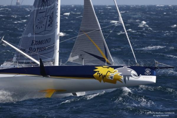 Vendée Globe Racer «Edmond De Rothschild» mit Foil und Neigekiel