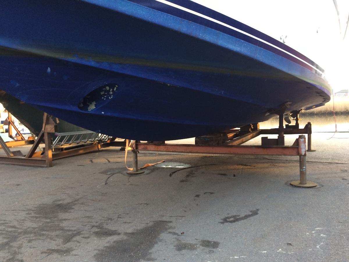 Die jährliche Reinigung des Unterwasserschiffs ist eine von mehreren Aufwendungen für das Boot