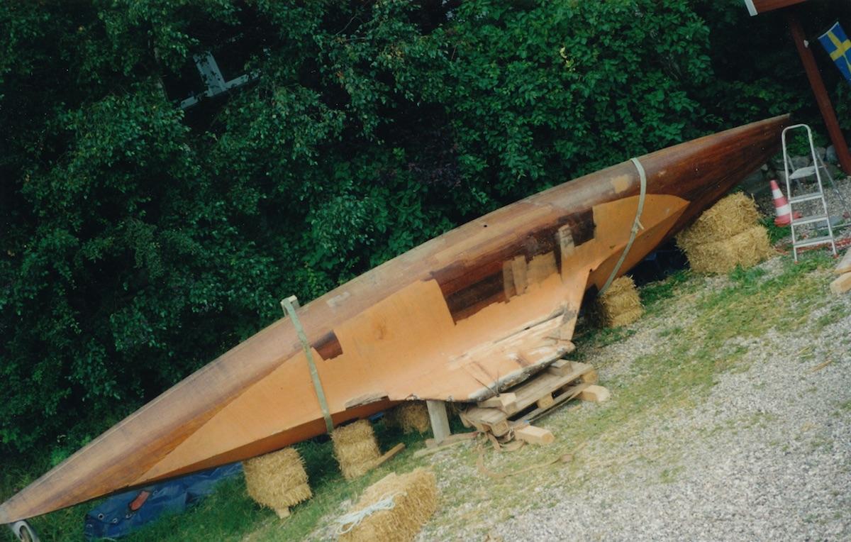 Boot Nr. 4: Ein zufällig von Milz entdeckter 15er Schärenkreuzer, liebevoll auf Fehmarn abgelegt
