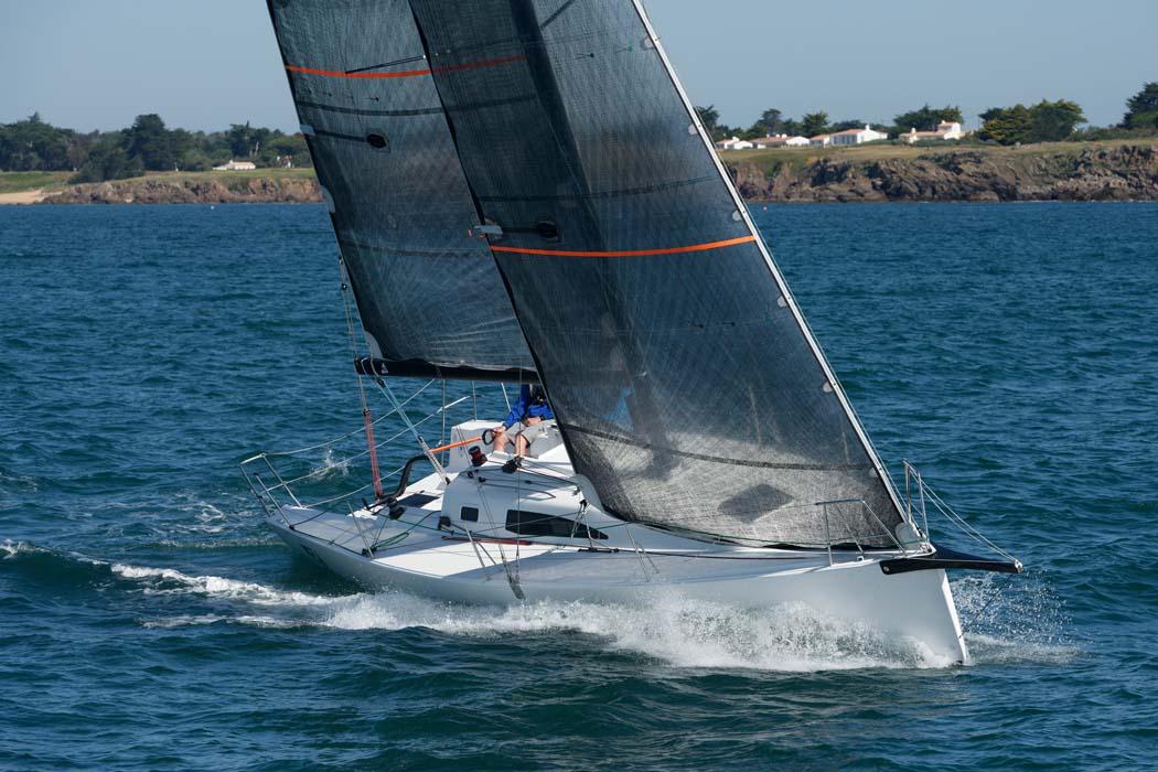 J99 © j-boats