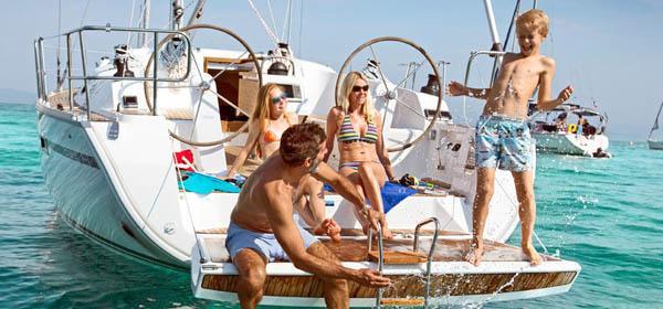 Kinder an Bord, alle in einem Boot