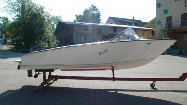 Tipps für das richtige Wasserskiboot